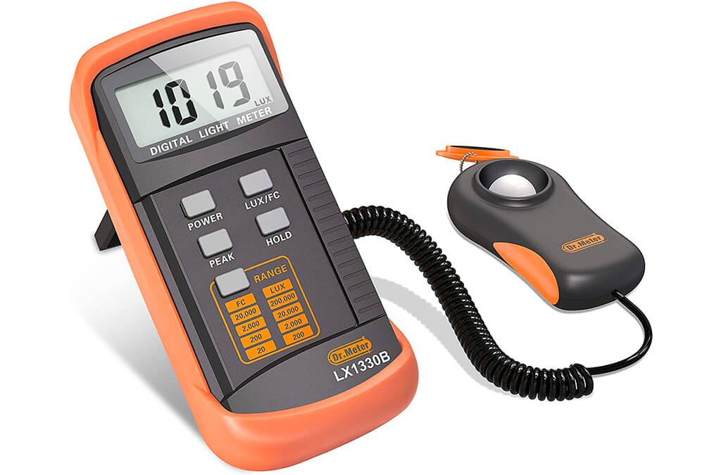 1. Dr.Meter 1330B-V Digital Illuminance/Light Meter